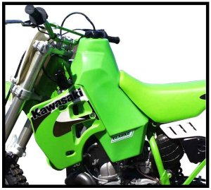 KX500 (1988-2004) KX250 (88-89) 3 9 GALLONS # 11412